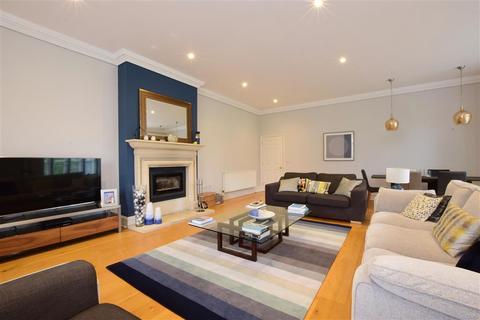 3 bedroom ground floor flat for sale - Ford Road, Arundel, West Sussex