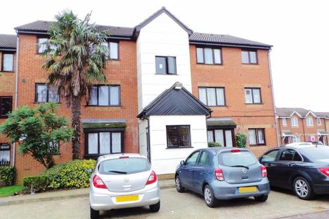 Studio for sale - Plowman Close, Edmonton, N18