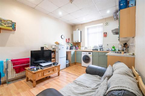 1 bedroom property to rent - Flat 4, 256 Crookesmoor Road, Crookesmoor