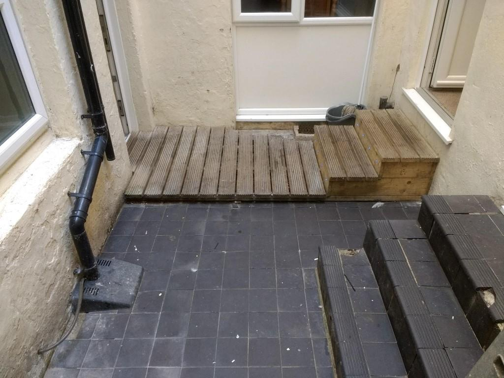 Rear patio 23b.jpg
