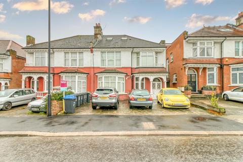 2 bedroom flat for sale - Station Road, Winchmore HIll
