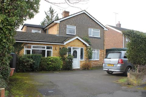 5 bedroom detached house to rent - Lees Close, Maidenhead