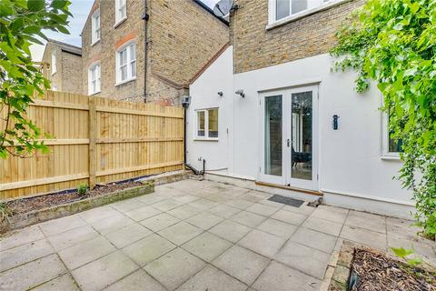 2 bedroom flat for sale - Kyrle Road, London, SW11