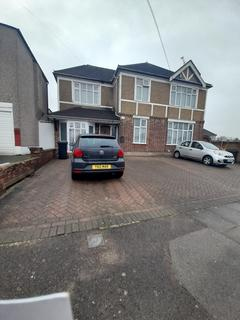 5 bedroom terraced house to rent - Mighell Avenue, Ilford IG4