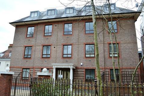 1 bedroom flat to rent - South Street, Epsom, Surrey, KT18