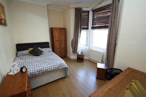 3 bedroom flat to rent - Tavistock Road, Newcastle Upon Tyne, Tyne And Wear, NE2 3HY