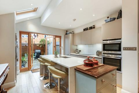 2 bedroom terraced house for sale - Tyneham Road , Battersea SW11 5XP