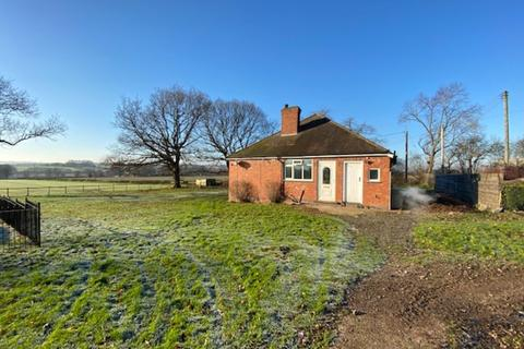 3 bedroom detached bungalow to rent - Oxton Road, Epperstone, Nottingham