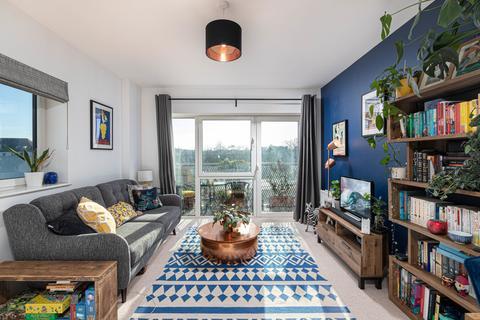 2 bedroom apartment for sale - Flotilla House, Battersea Reach