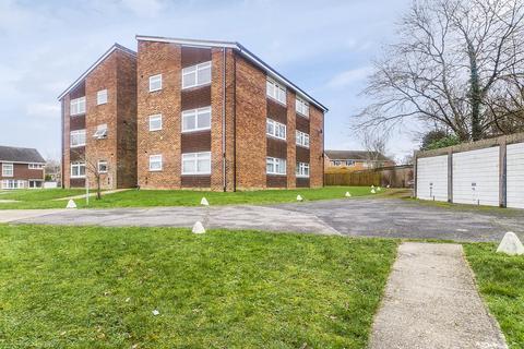 2 bedroom flat to rent - Gossops Green, Crawley