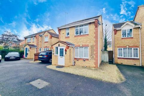 3 bedroom detached house to rent - Paddick Drive,  Lower Earley,  RG6