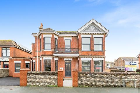 1 bedroom ground floor flat for sale - Shelley Road, Worthing BN11 1TR
