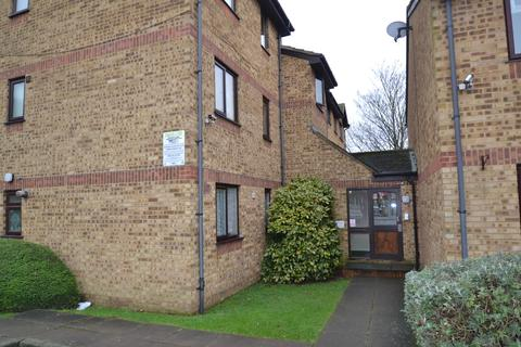 2 bedroom apartment for sale - Overton Drive, Romford