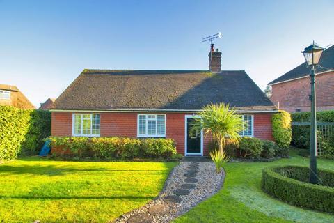 3 bedroom bungalow for sale - Angley Road, Cranbrook, Kent, TN17 2PG