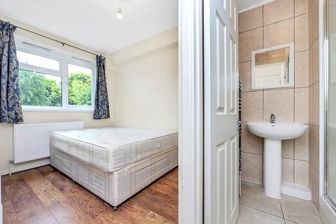 4 bedroom maisonette to rent - Lorrimore Road, Kennington, London, SE17 3NA