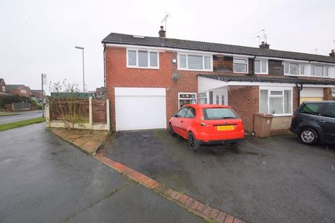 4 bedroom semi-detached house for sale - Norden Close, Rochdale