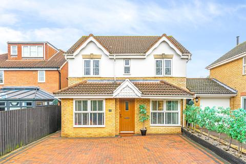 4 bedroom property for sale - 13 Challinor, Church Langley CM17 9XE