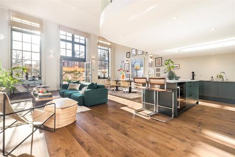 2 bedroom flat for sale - Victorian Heights, Thackeray Road, London, SW8