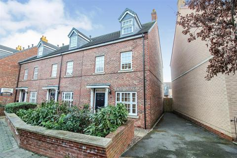 4 bedroom townhouse for sale - Hamilton Walk, Beverley