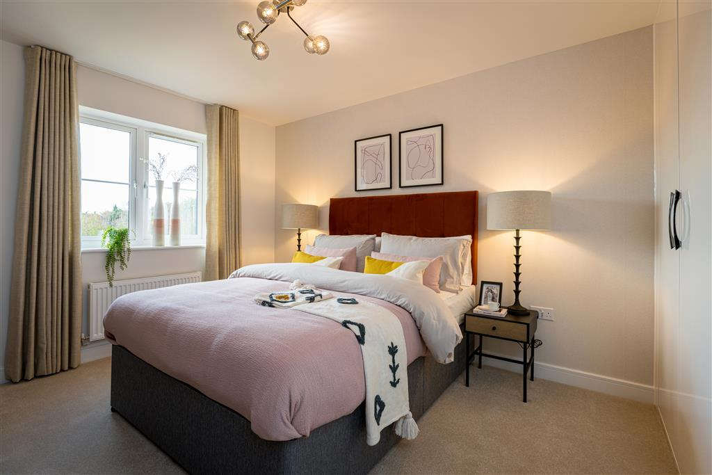 Bright and spacious main bedroom