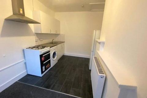 2 bedroom house to rent - Bowes Road, London, N11