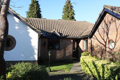 2 bedroom retirement property for sale - St Nicholas Court, Lindfield, RH16