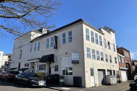 Retail property (high street) to rent - Bedford Place, Southampton, SO15