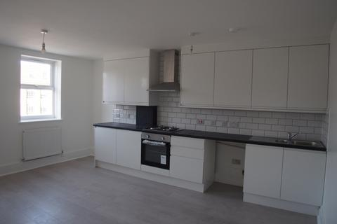 2 bedroom flat to rent - High Road, N17