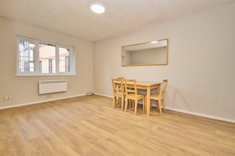 1 bedroom flat to rent - Somerset Gardens, Creighton Road, London