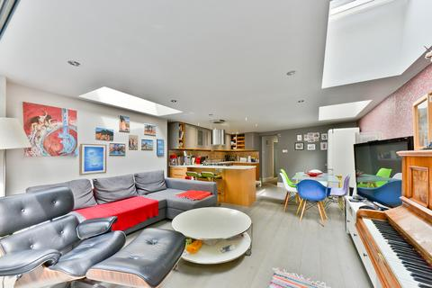 3 bedroom apartment for sale - Taybridge Road, Battersea