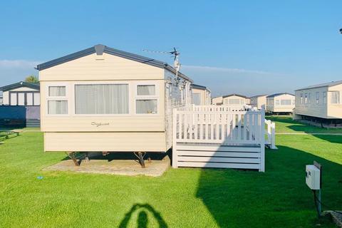 2 bedroom lodge for sale - DELTA GOODWOOD BUNN LEISURE Warners Lane, Chichester