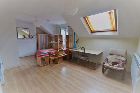 Studio to rent - Church Lane, N8