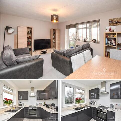 2 bedroom flat for sale - Longfield Crescent, Tadworth
