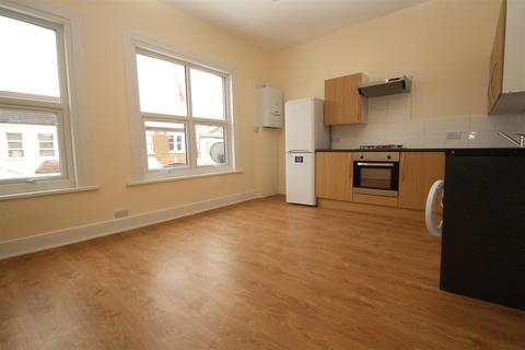 2 bedroom flat to rent - Vale Grove, Harringey, London N4