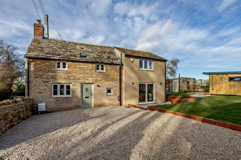 2 bedroom character property for sale - Main Street, Wakerley