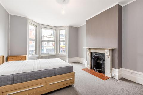 2 bedroom flat to rent - Norwood High Street, London