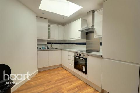 2 bedroom semi-detached house to rent - St. Andrews Road, Acton, W3