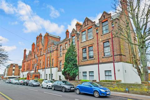 3 bedroom apartment for sale - Lawrence Road, Southsea, Hampshire