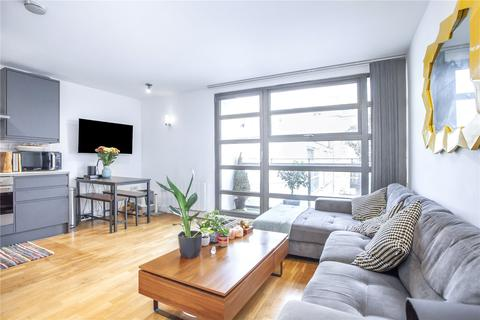 2 bedroom flat for sale - Tanners Yard, London, E2