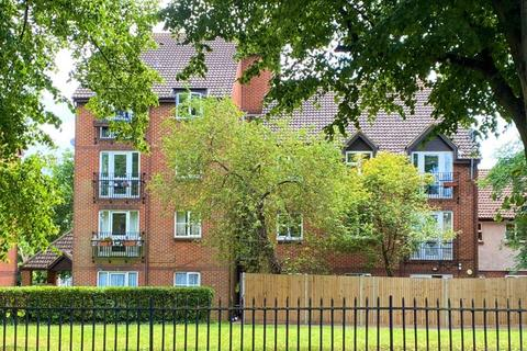 2 bedroom flat to rent - Knowles Close, West Drayton, UB7