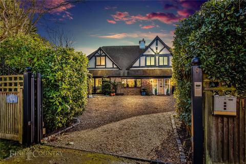 4 bedroom detached house for sale - Elm Avenue, East Preston, West Sussex, BN16