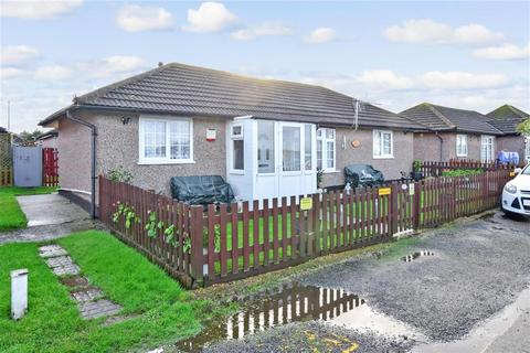 2 bedroom bungalow for sale - Silver Birches, Minster On Sea, Sheerness, Kent