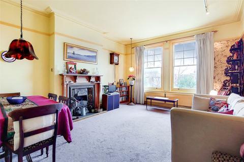 4 bedroom flat for sale - Cholmeley Park, Highgate, London, N6