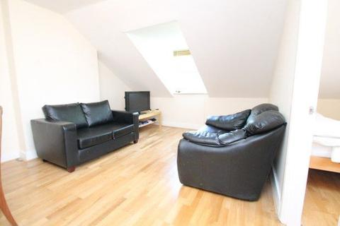 1 bedroom flat to rent - 3 Waldenshaw Road,  London, SE23