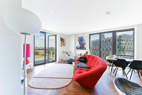 2 bedroom apartment for sale - Ambassador Building, Embassy Gardens, London, SW11