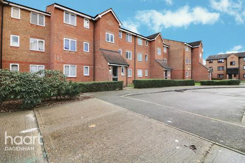 1 bedroom flat for sale - Plumtree Close, Dagenham