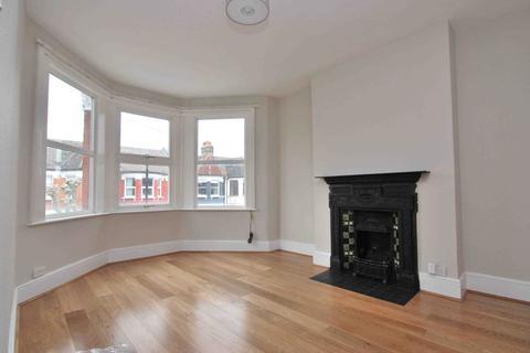 2 bedroom flat to rent - Langham Road, Harringay, London, N15