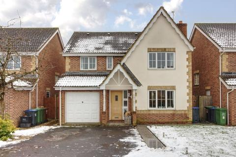 4 bedroom detached house for sale - Redwing Avenue, Cepen Park North, Chippenham
