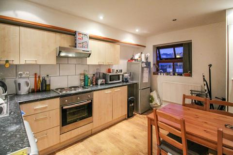 2 bedroom apartment to rent - Kelso Heights, Hyde Park