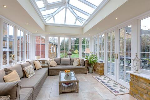 4 bedroom detached house for sale - High Street, Harpole, Northampton, NN7